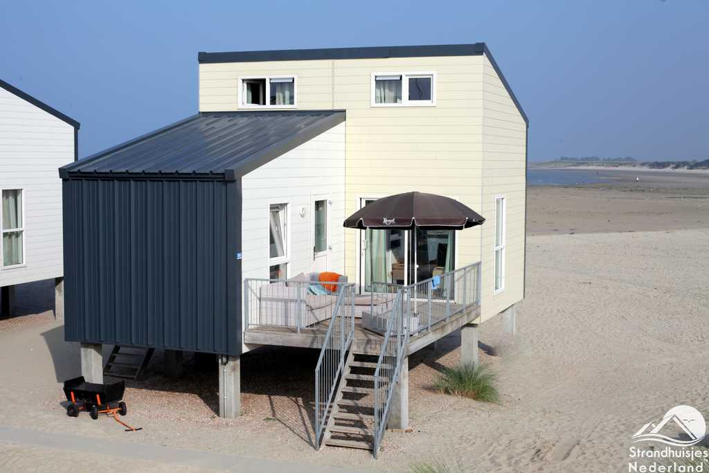 Groot-strandhuis-6-personen-Kamperland-Zeeland-1