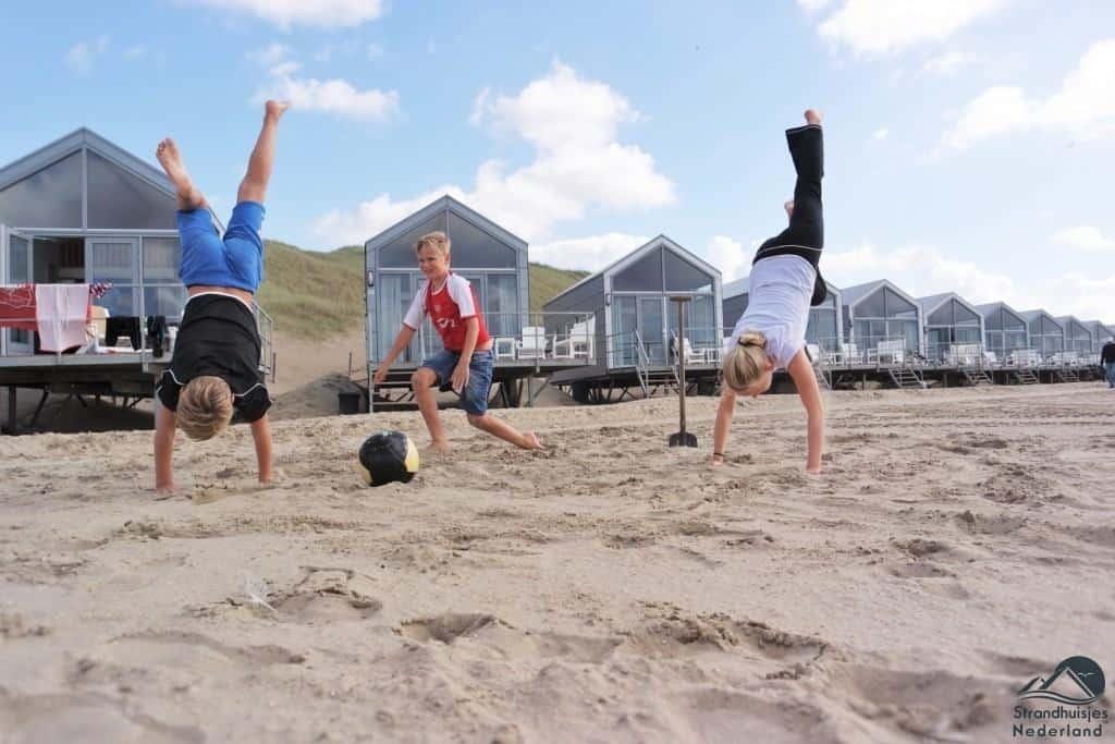 Spelen voor de strandhuisjes