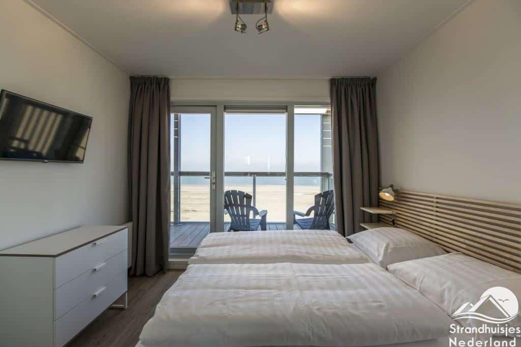 Master bedroom bij strandhuisje Landal Hoek van Holland
