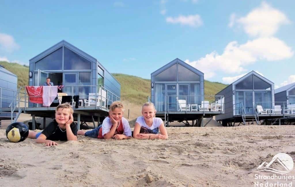 Kinderen vinden het fantantisch bij strandhuisjes Julianadorp