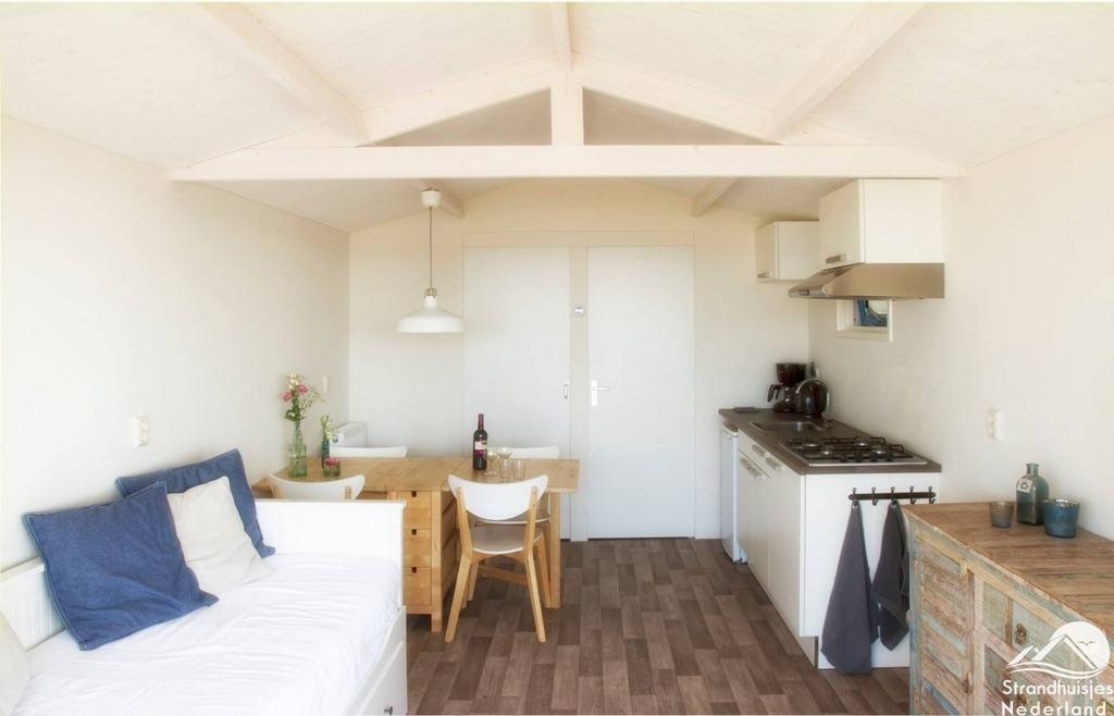 Wakker worden in een strandhuisje op het strand van Wijk aan Zee?