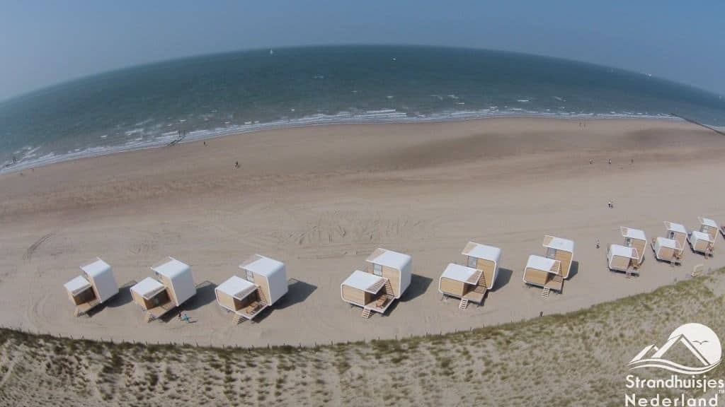 strandhuisjes Nieuwvliet vanuit de lucht