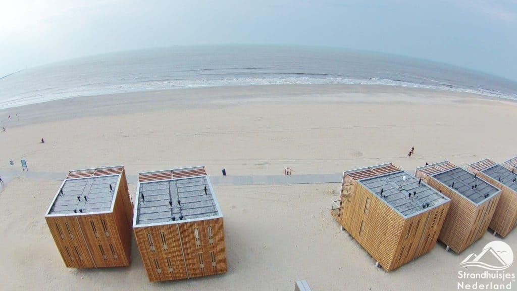 Strandhuisjes vanuit de lucht Hoek van Holland