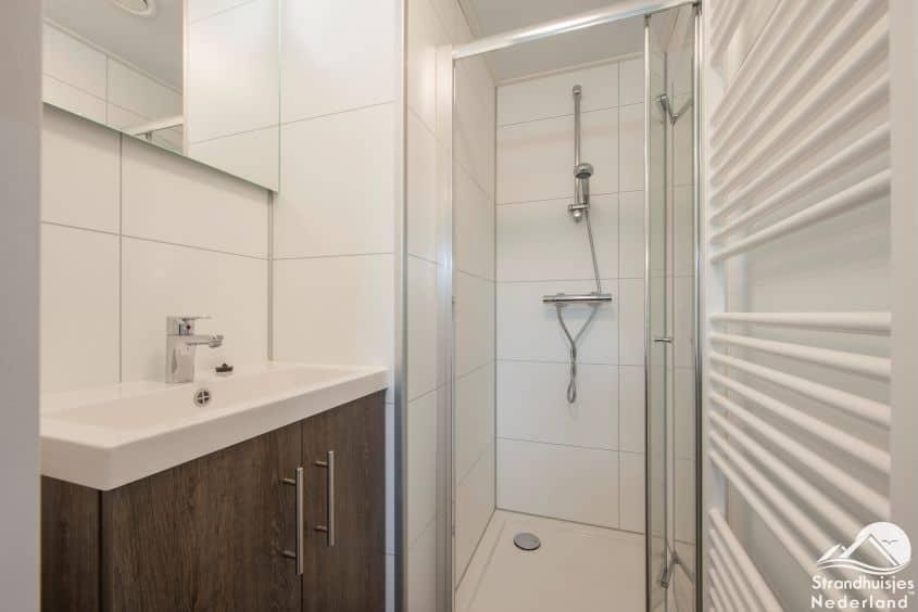 Badkamer 4-persoons strandhuisje