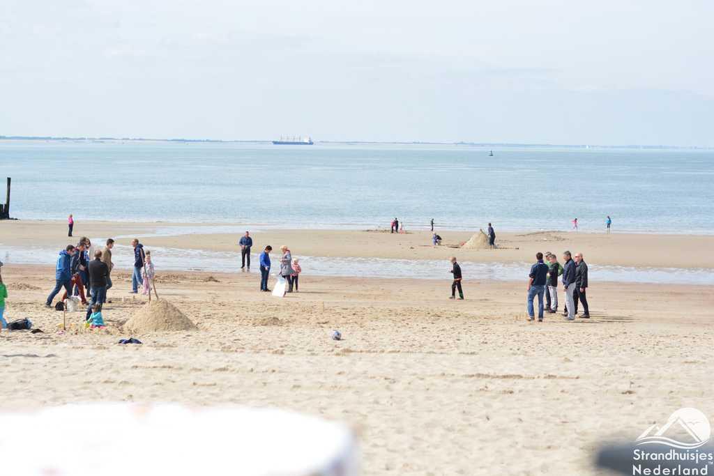 Strand Vlissingen bij de strandhuisjes
