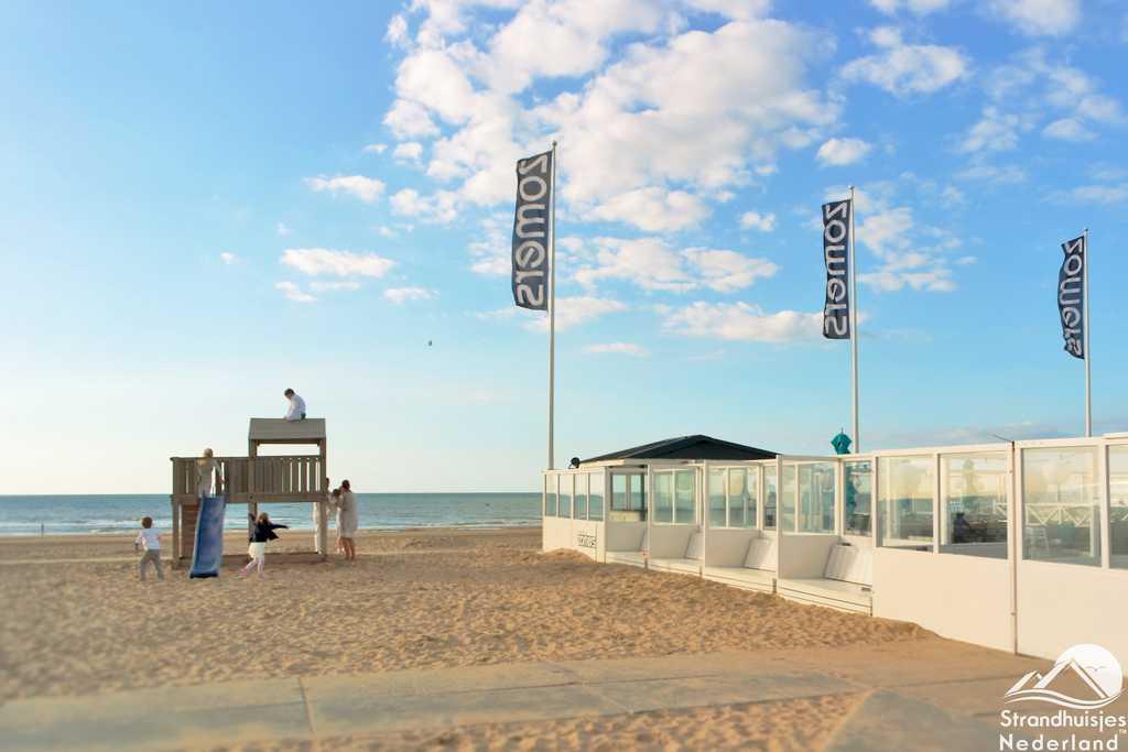 Beachclub en strand Katwijk