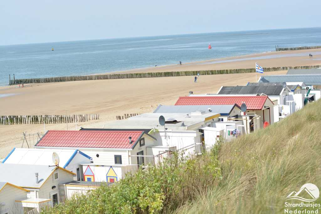 De particuliere strandhuisjes Westduin en Dishoek